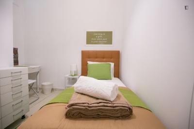 Amazing single bedroom in Saldanha