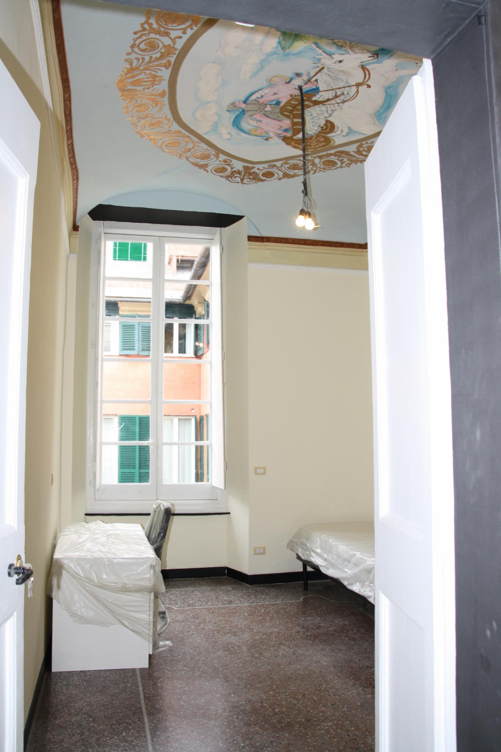 Piazza del Campo, Genoa, NV - 300 USD/ month