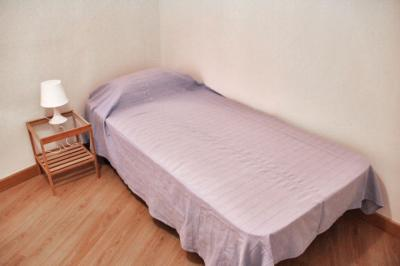 Single bedroom located just next to the Urquinaona metro station
