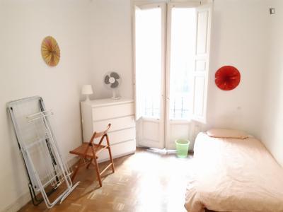 Welcoming single bedroom, with balcony, in popular Sol neighbourhood