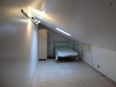 Bequemes und sauberes Einzelzimmer in Benfica
