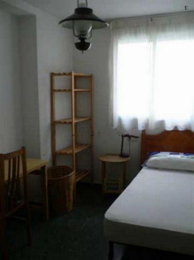 Very homely single bedroom in Benimaclet