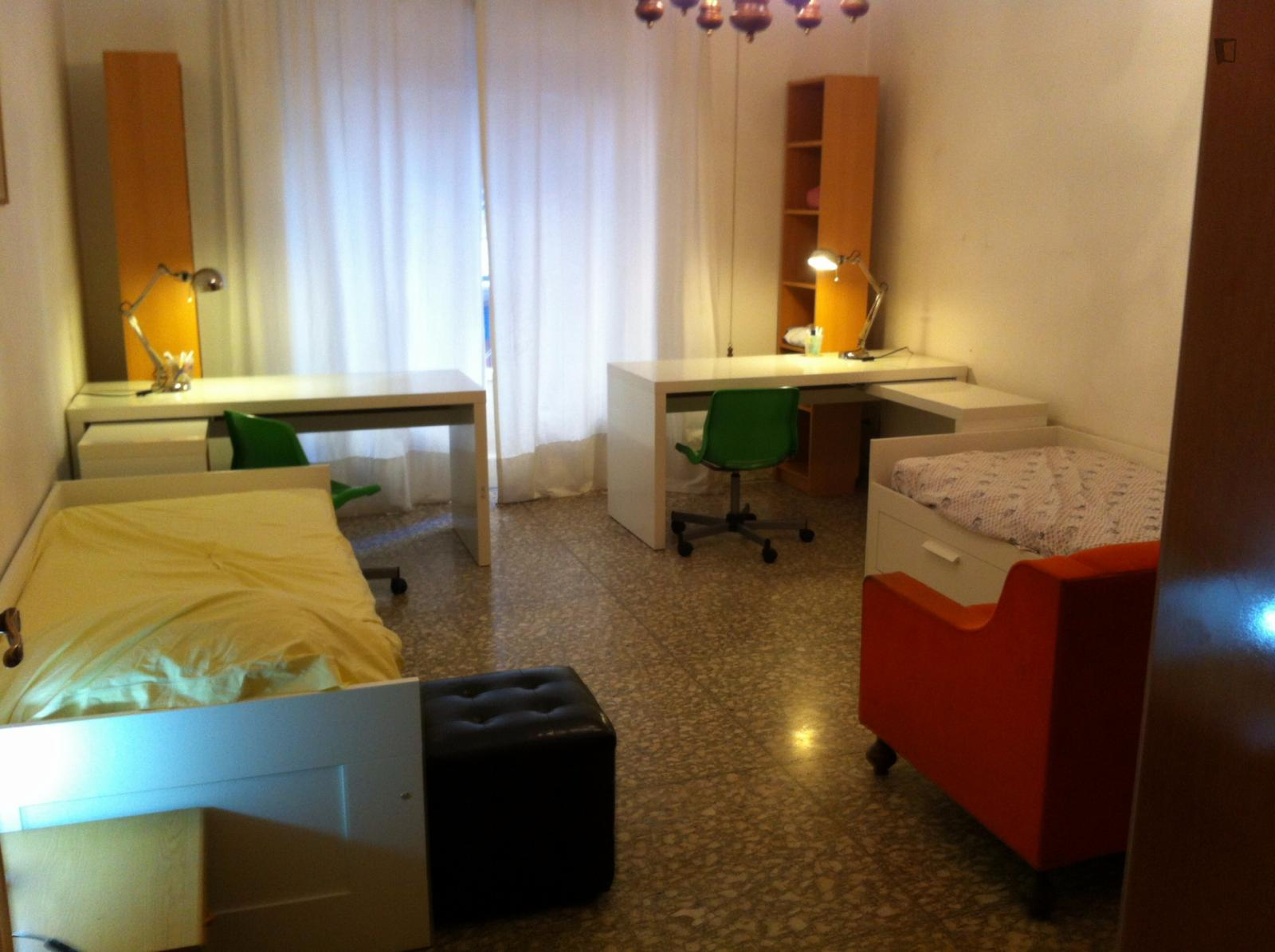 Via Orso Mario Corbino, Rome, ME - 280 USD/ month