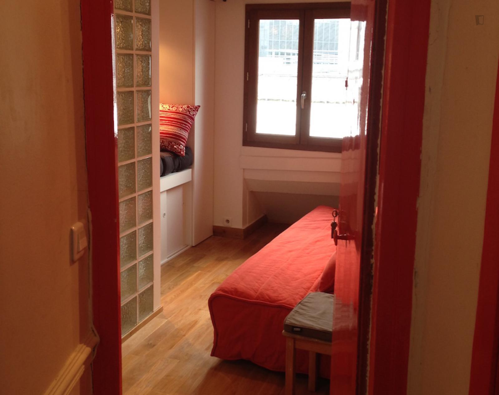 Rue d'Aboukir - 850EUR / month