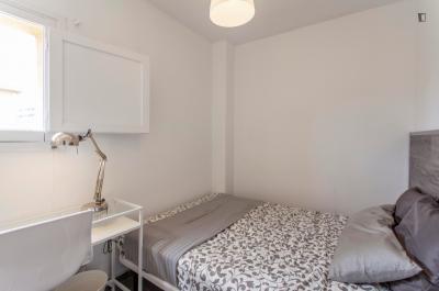 Charming double bedroom close to Facultat d'Economia (UV)