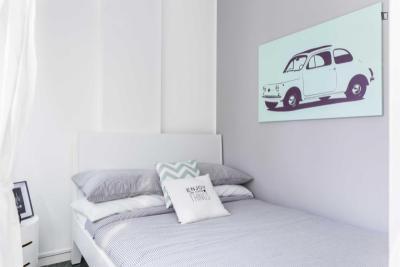 Chic double bedroom near De Angeli metro station