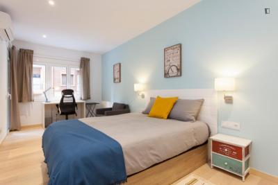 Nice 3 Bedrooms apartment close to Gracia
