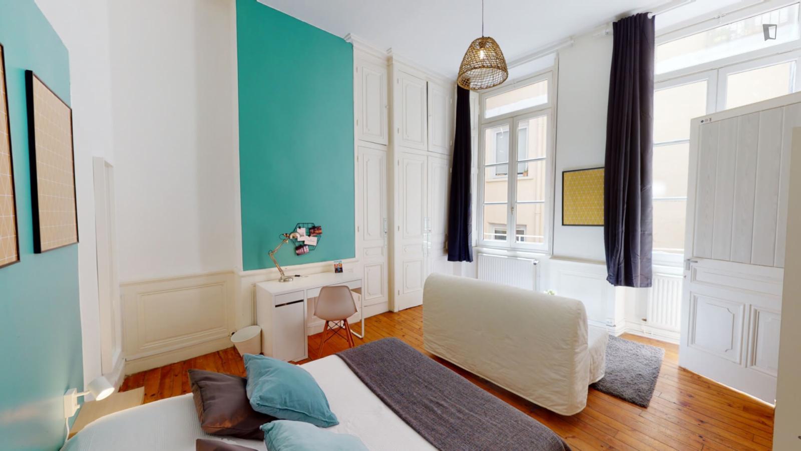 Rue de la Poulaillerie, Lyon, MS - 673 USD/ month