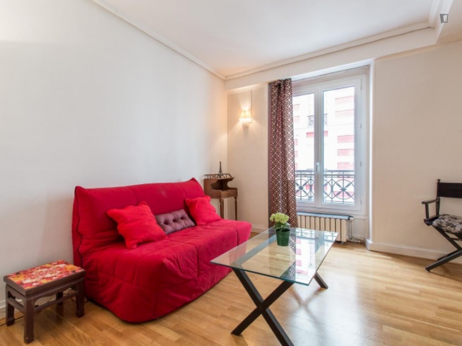 Rue Dareau, 14th arrondissement of Paris, FR-75 - 2,150 EUR/ month