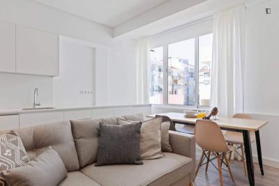 Elegant 1-bedroom flat in typical Campo de Ourique