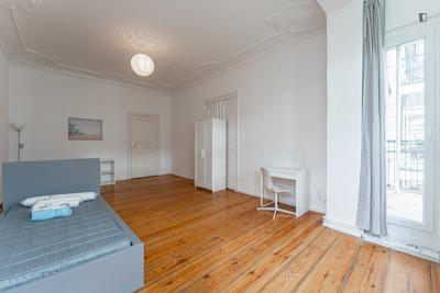 Stupendous single bedroom with a balcony, in Charlottenburg