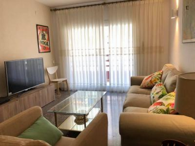 Bedroom in a shared apartment. Only students! Very close to the city center.