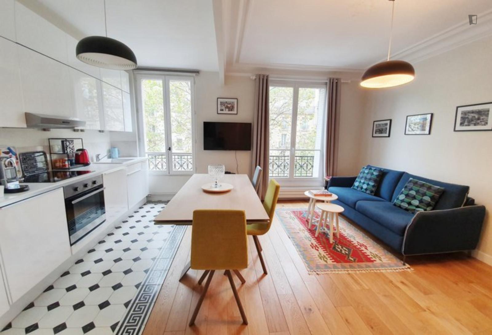 Avenue Ledru Rollin, 12th arrondissement of Paris, FR-75 - 1,595 EUR/ month