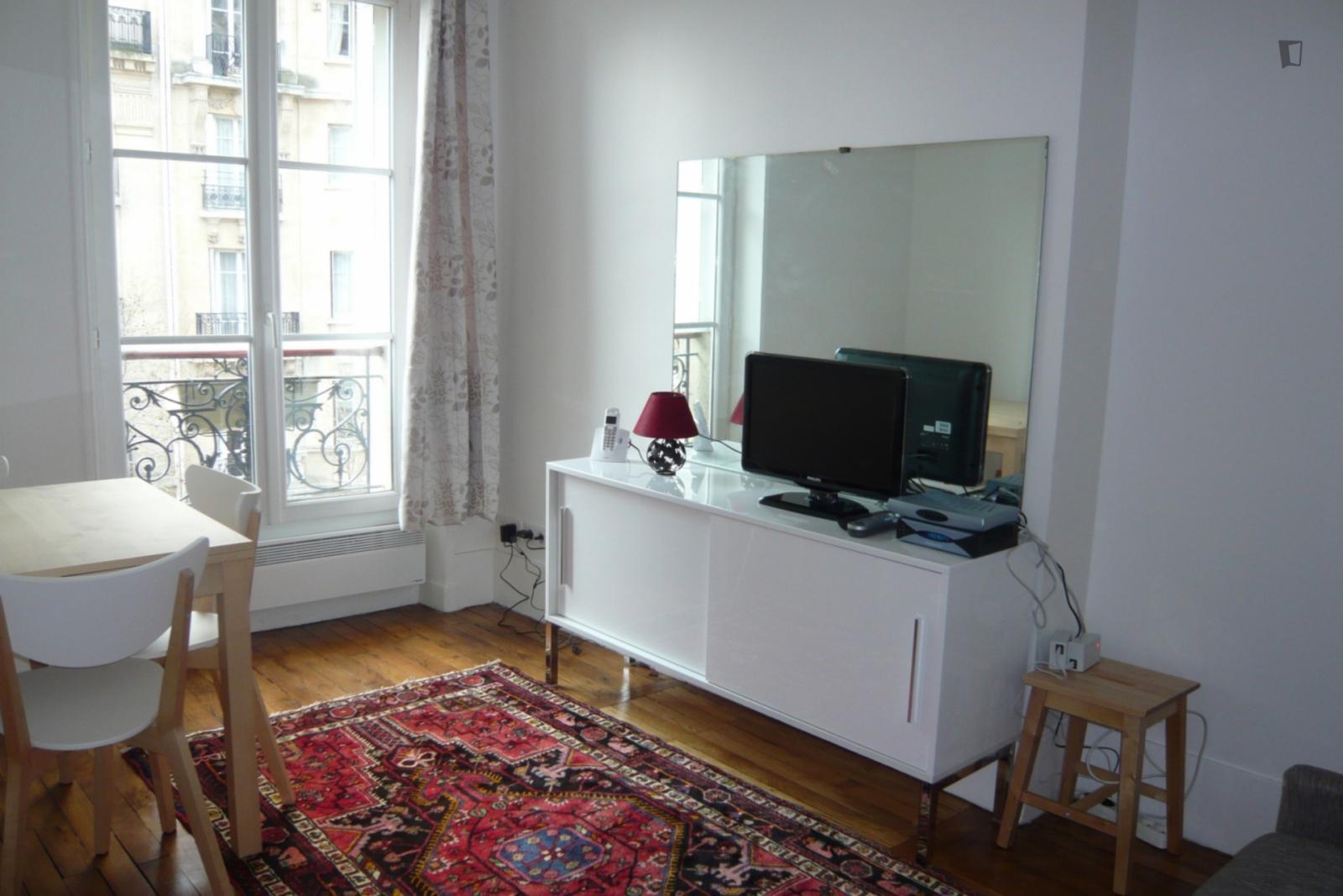 Avenue Bourdonnais, 7th arrondissement of Paris, FR-75 - 2,339 EUR/ month