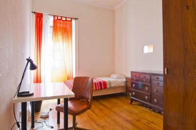 Excellent single bedroom near Instituto Superior de Comunicação Empresarial
