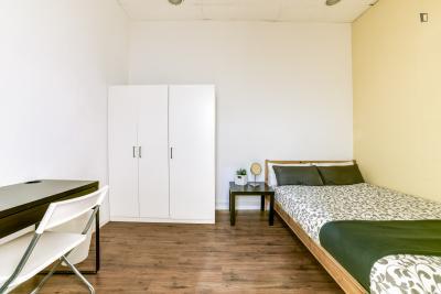 Double bedroom near the Opera metro station
