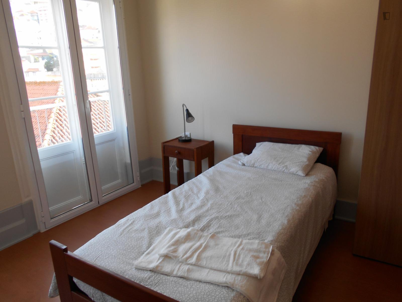 Rua Martins de Carvalho, Coimbra, PT-06 - 330 EUR/ month