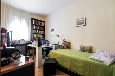 Lovely single bedroom close to Bac de Roda metro station
