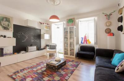 Fresh 2 bedroom apartment close ISEG