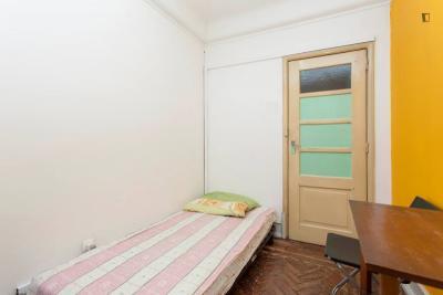 Single bedroom in Rato, near Rato metro station