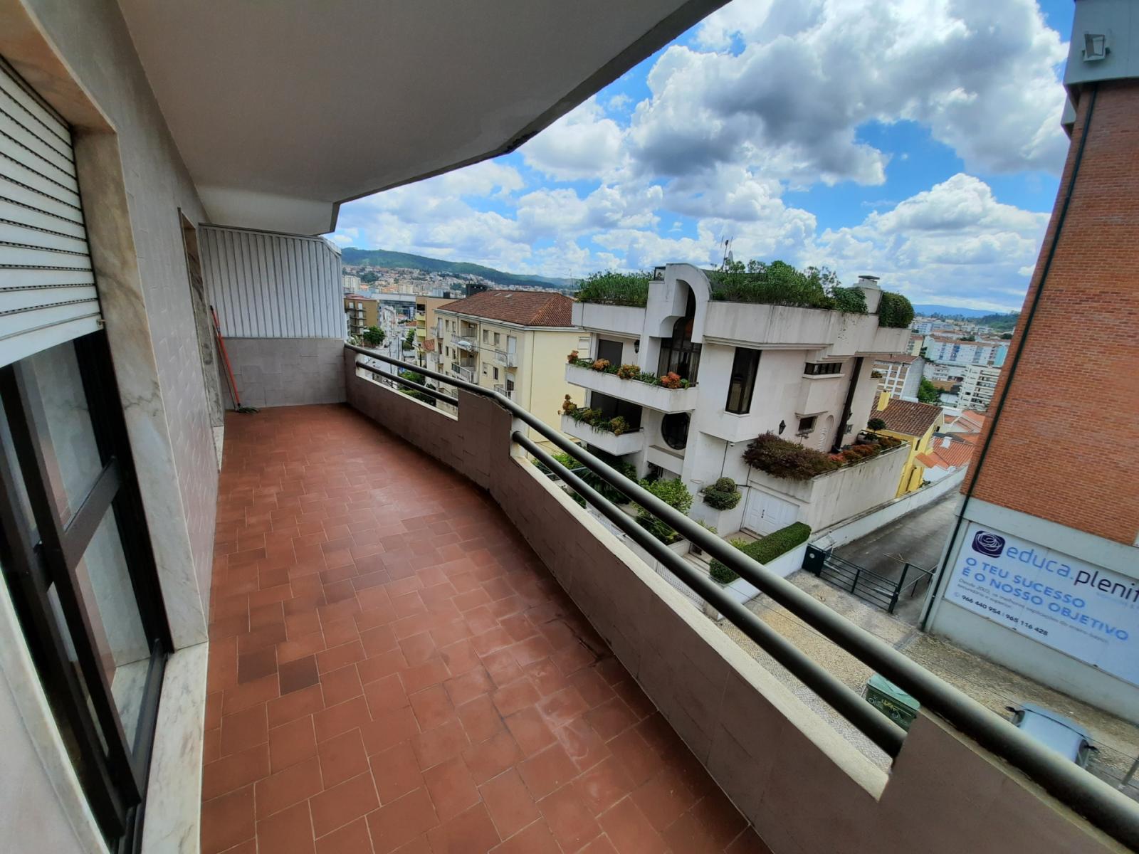 Rua Combatentes da Grande Guerra, Coimbra, PT-06 - 630 EUR/ month