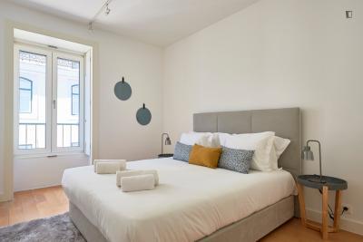 Snug 2-bedroom apartment near Baixa-Chiado metro station