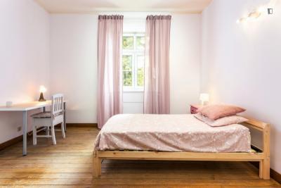 单人床卧室 in 9-卧室 公寓