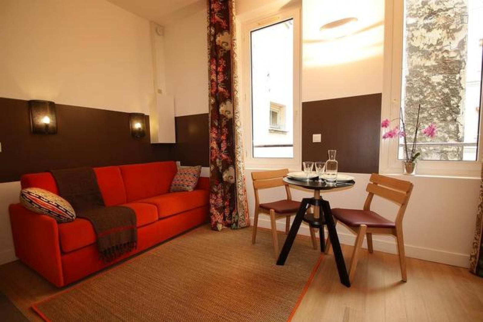 Rue Leopold Bellan, 2nd arrondissement of Paris, FR-75 - 2,024 EUR/ month