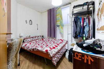 Spacious double bedroom near Basilica di San Pietro