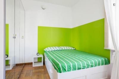 Elegant double bedroom near P.ta Venezia metro station