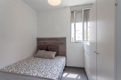 Beautiful double bedroom close to Instituto de Biomecánica de Valencia