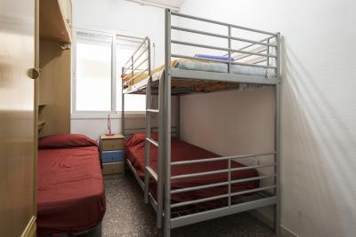 Magnificent bunk bedroom very close to Jardins de Celestina Vigneaux