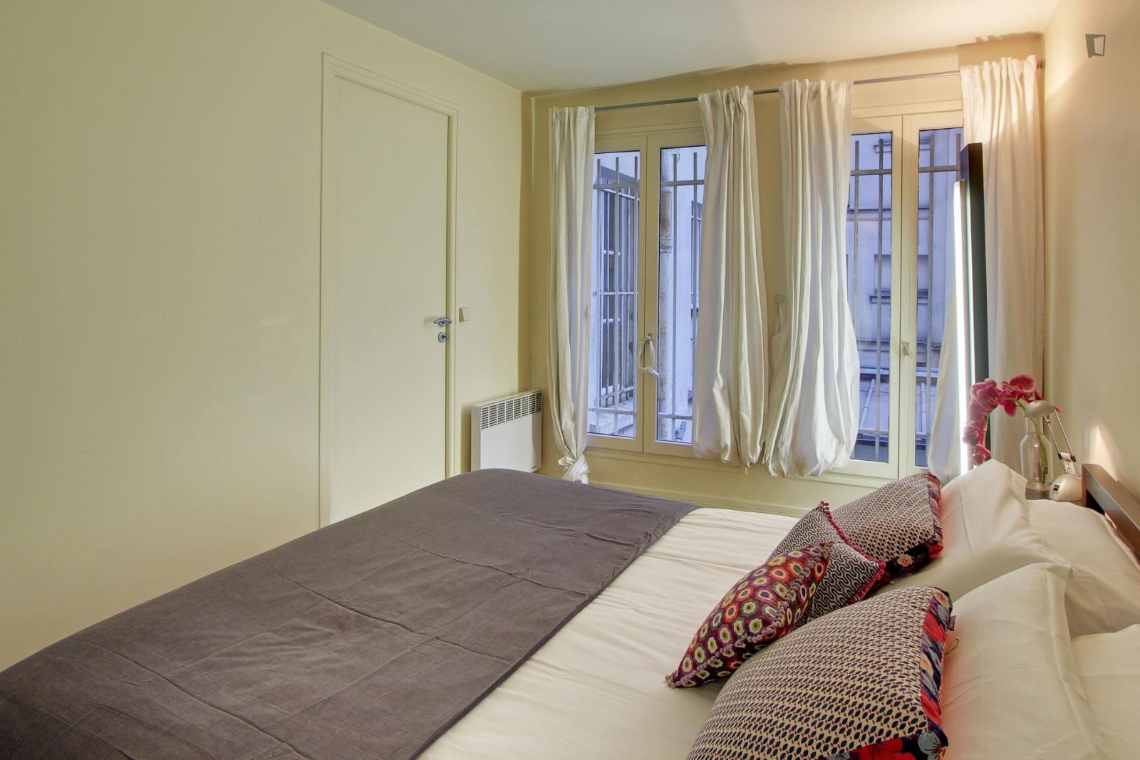 Rue des Tournelles, 3rd arrondissement of Paris, FR-75 - 2,220 EUR/ month