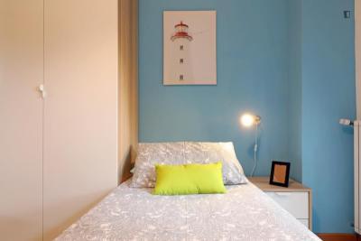 Alluring double bedroom in a 3-bedroom apartment near Parco Matteo di Fazio