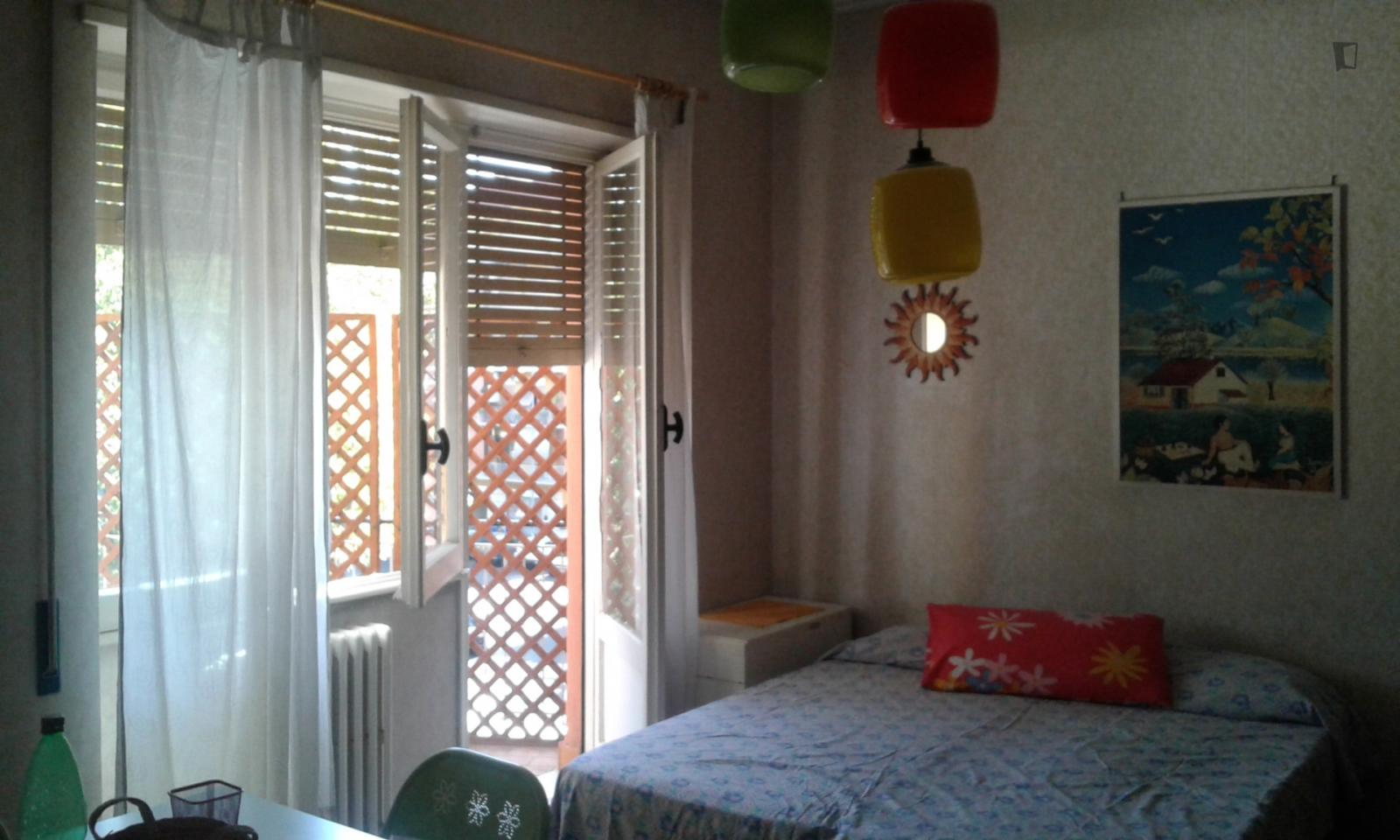 Largo Girolamo Cocconi, Rome, ME - 400 USD/ month