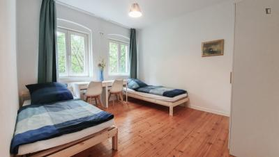 Single bed in a twin bedroom, in a 2-bedroom apartment near Prenzlauer Allee transport station