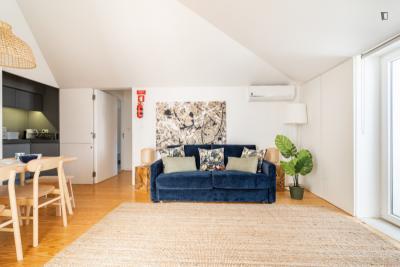 Dashing 2-bedroom flat in Anjos