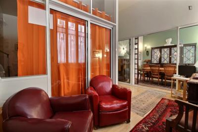 Wonderful 1-bedroom apartment in Paris near Gare de Neuilly subway station