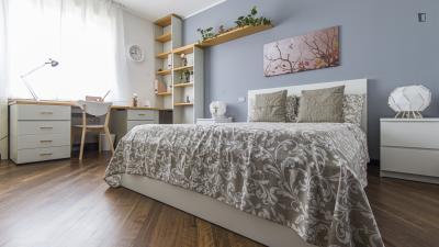 Attractive double bedroom in Chiesa Rossa