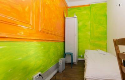 Nice single bedroom near the Saldanha metro