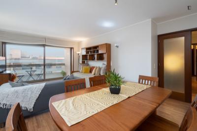 Welcoming 2-bedroom apartment in São Mamede de Infesta