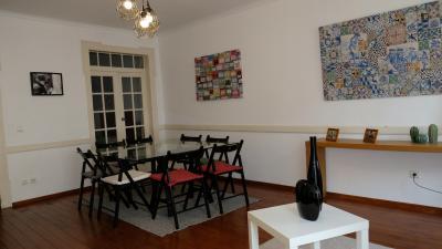 3-Bedroom apartment near IADE - Creative University