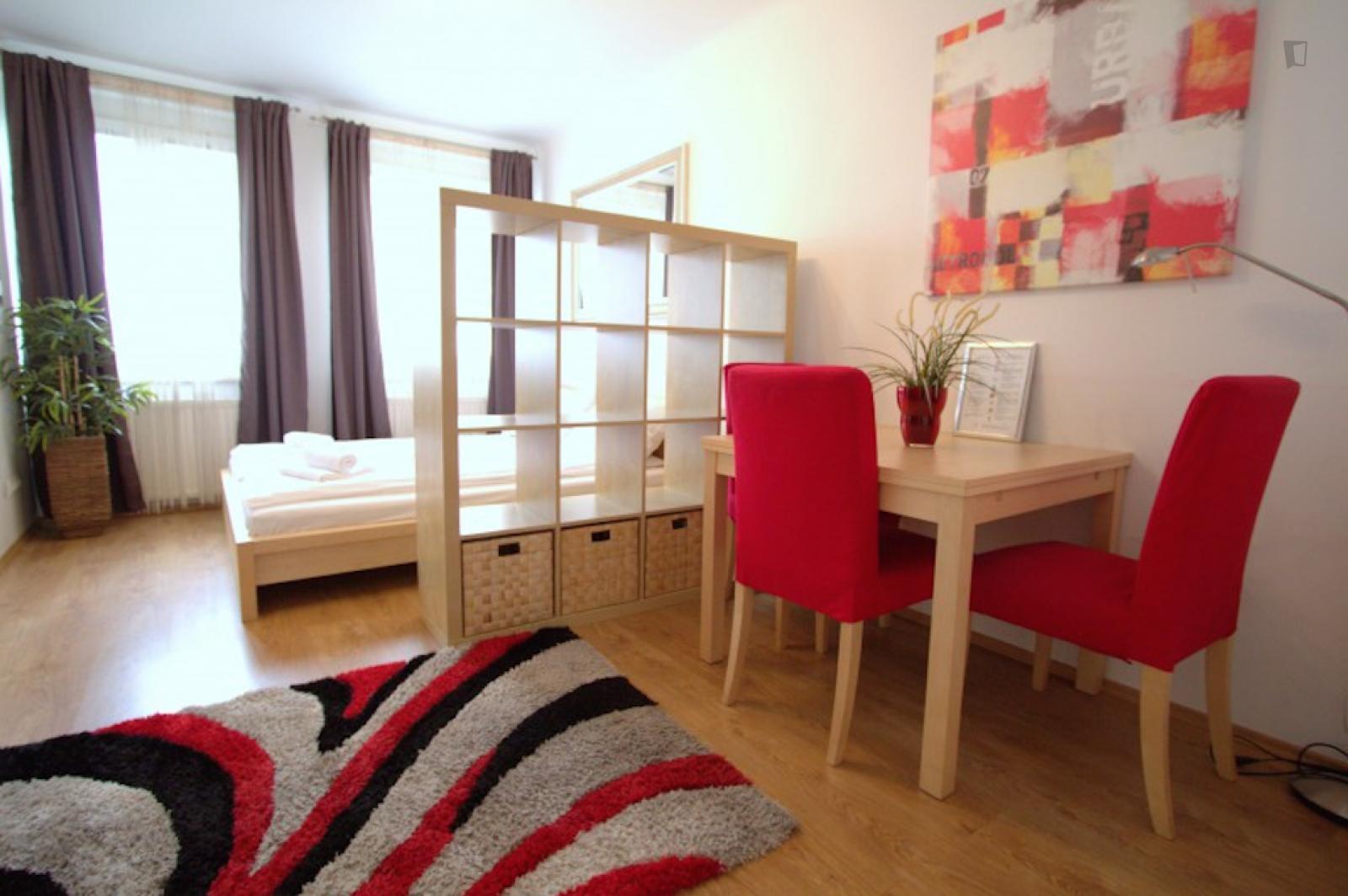 Wilhelmstrasse, Meidling, AT-9 - 1,350 EUR/ month