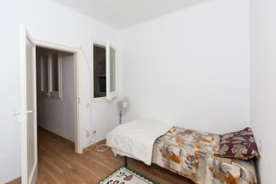 Homely single bedroom in El raval, near Universitat de Barcelona