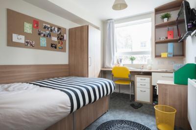 Elizabeth Croll House - Studio Classic two bed flat