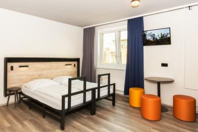 Nice double bedroom in a design hostel near Die Berliner Eisfabrik