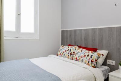 Very neat double bedroom near the Chueca metro