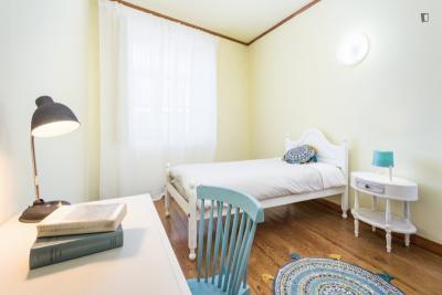 单人床卧室 in 住宅区