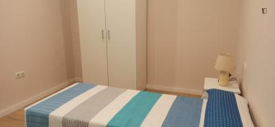 The bedroom could be single or twin, is located near Puente de Triana