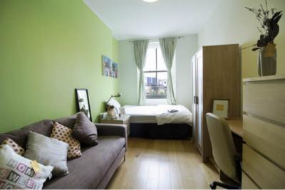 Splendid double bedroom in Kensington